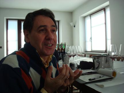 Italian wine writer