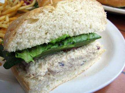 Jaynes gastropub do bianchi for Best tuna fish sandwich