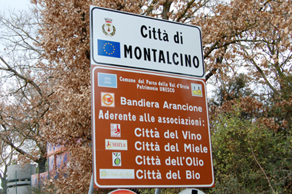 montalcino tuscany erosion wine grapes