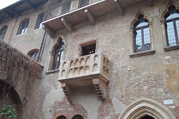 juliet balcony verona romeo