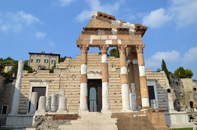 roman-ruins-italy